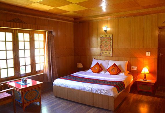 Namra Premium Room
